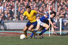 TOPPS-FOOTBALL ORANGE BACK 1978 -#006- IPSWICH GEORGE BURLEY
