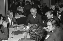 Leonard Boudin defense attorneys lunch on left Editorial Stock ...