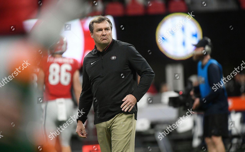 Georgia head coach Kirby Smart walks turf Stock Photo (10011092af ... 6611aa58d