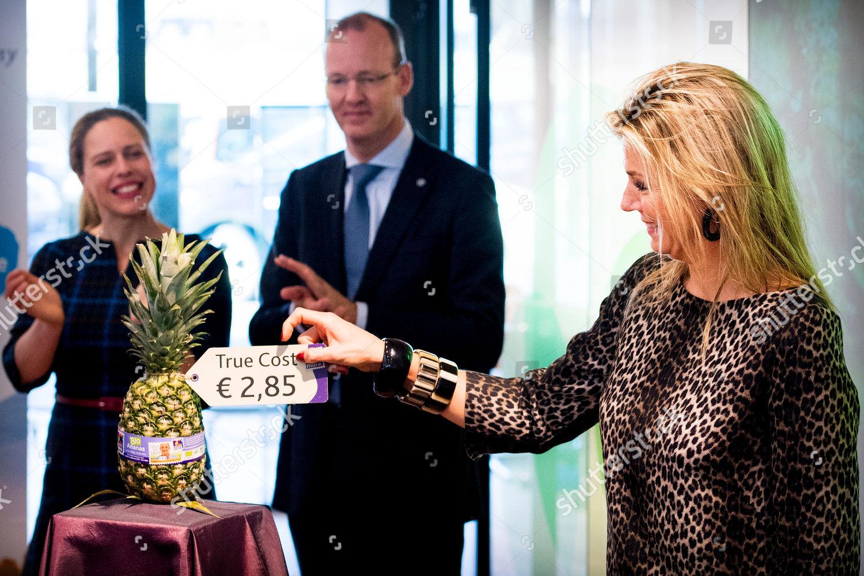 queen-maxima-visit-to-eosta-waddinxveen-the-netherlands-shutterstock-editorial-10013547aa.jpg