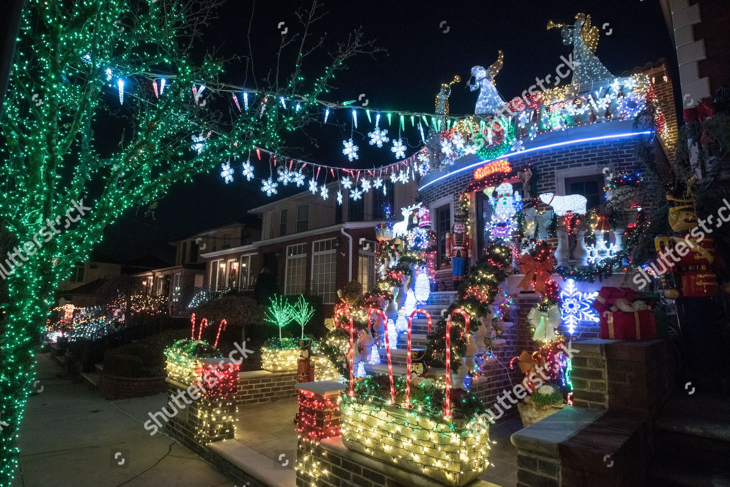 Dyker Heights Brooklyn Christmas Lights.Houses Dyker Heights Section Brooklyn New York Editorial