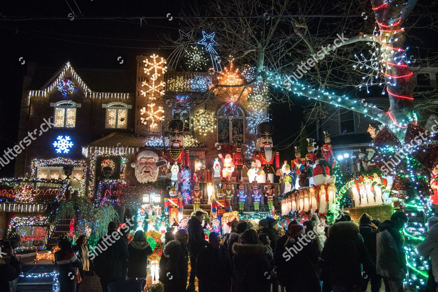 Dyker Heights Christmas Lights.Houses Dyker Heights Section Brooklyn New York Editorial