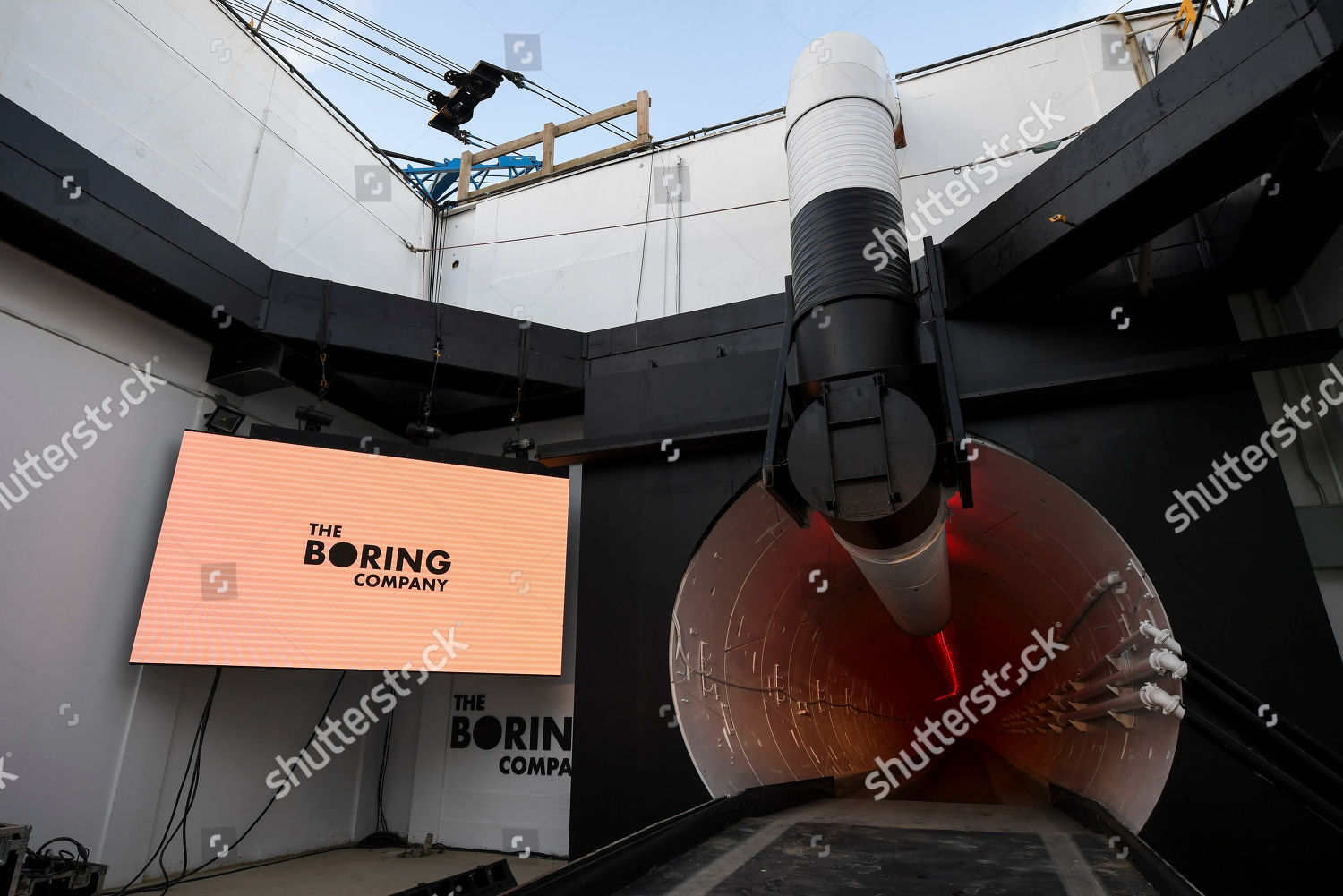 Boring Co signage displayed tunnel entrance before Foto