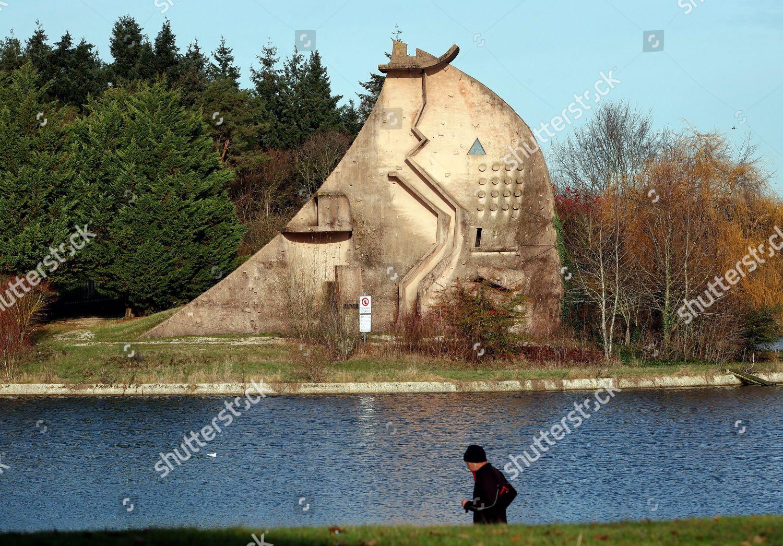 La Dame du Lac sculpture by Pierre Editorial Stock Photo - Stock