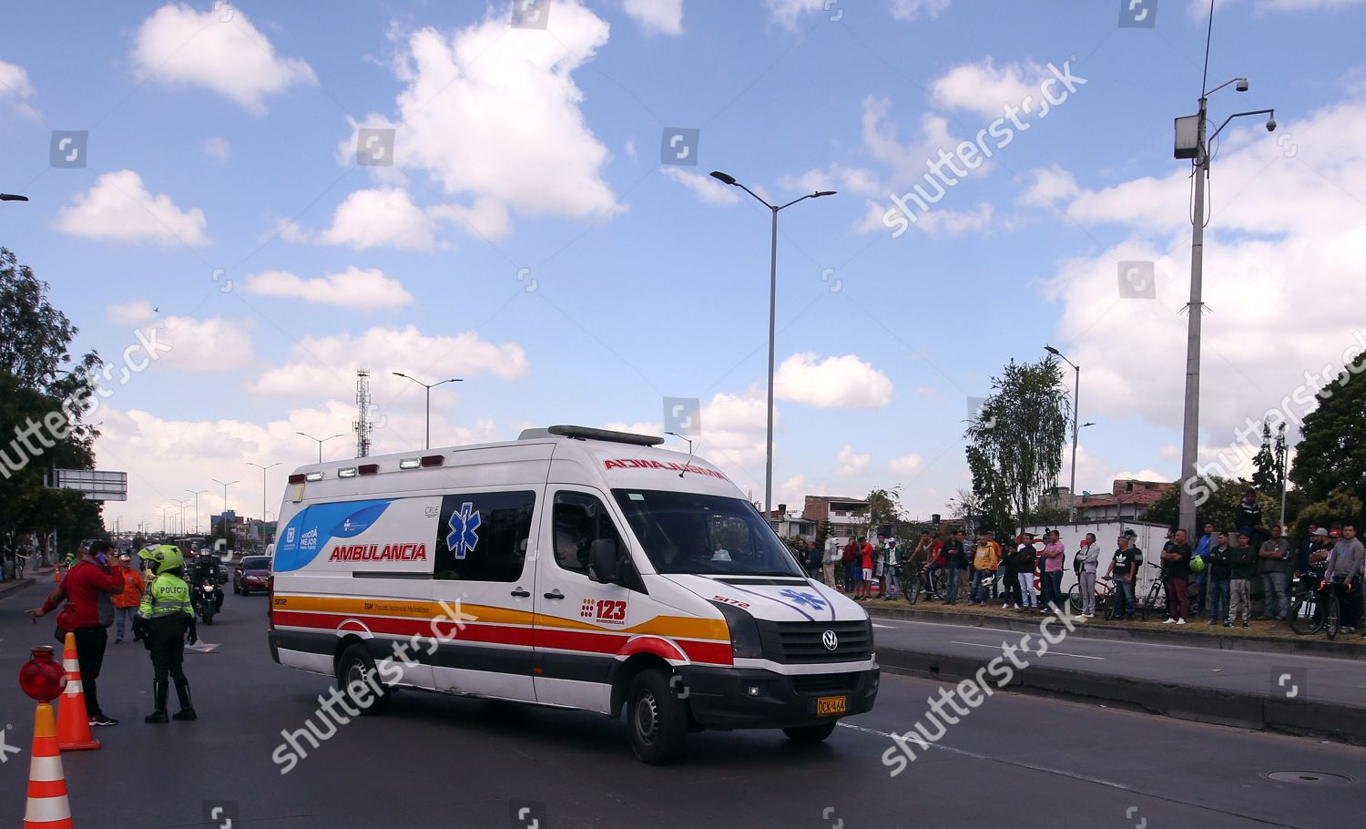 explosion-of-a-car-bomb-at-the-police-sc