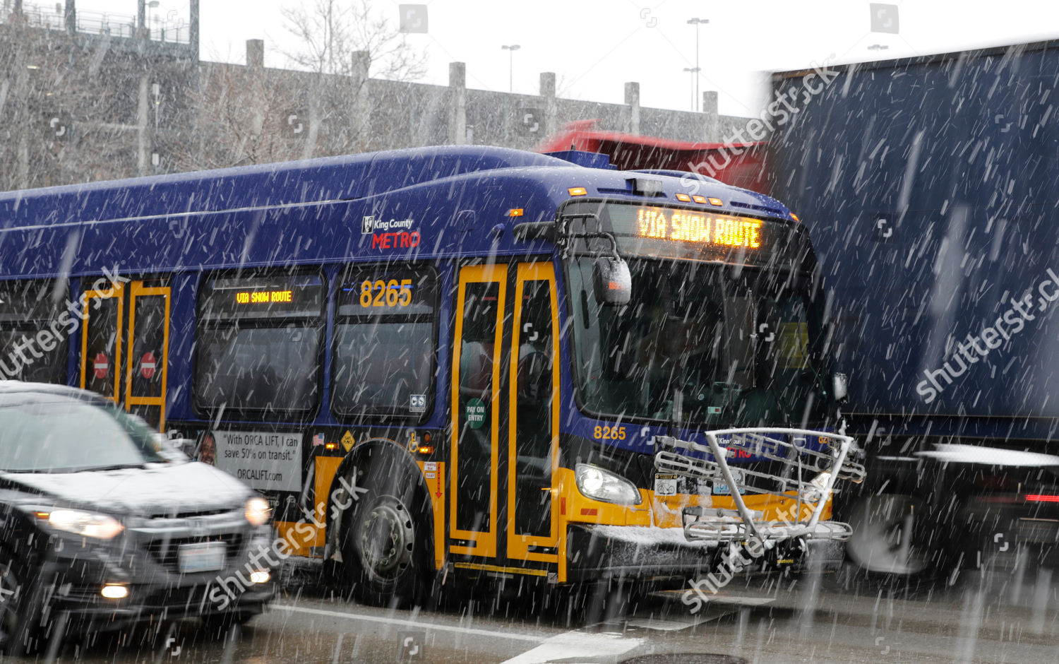 King County Metro bus displays snow route Editorial Stock
