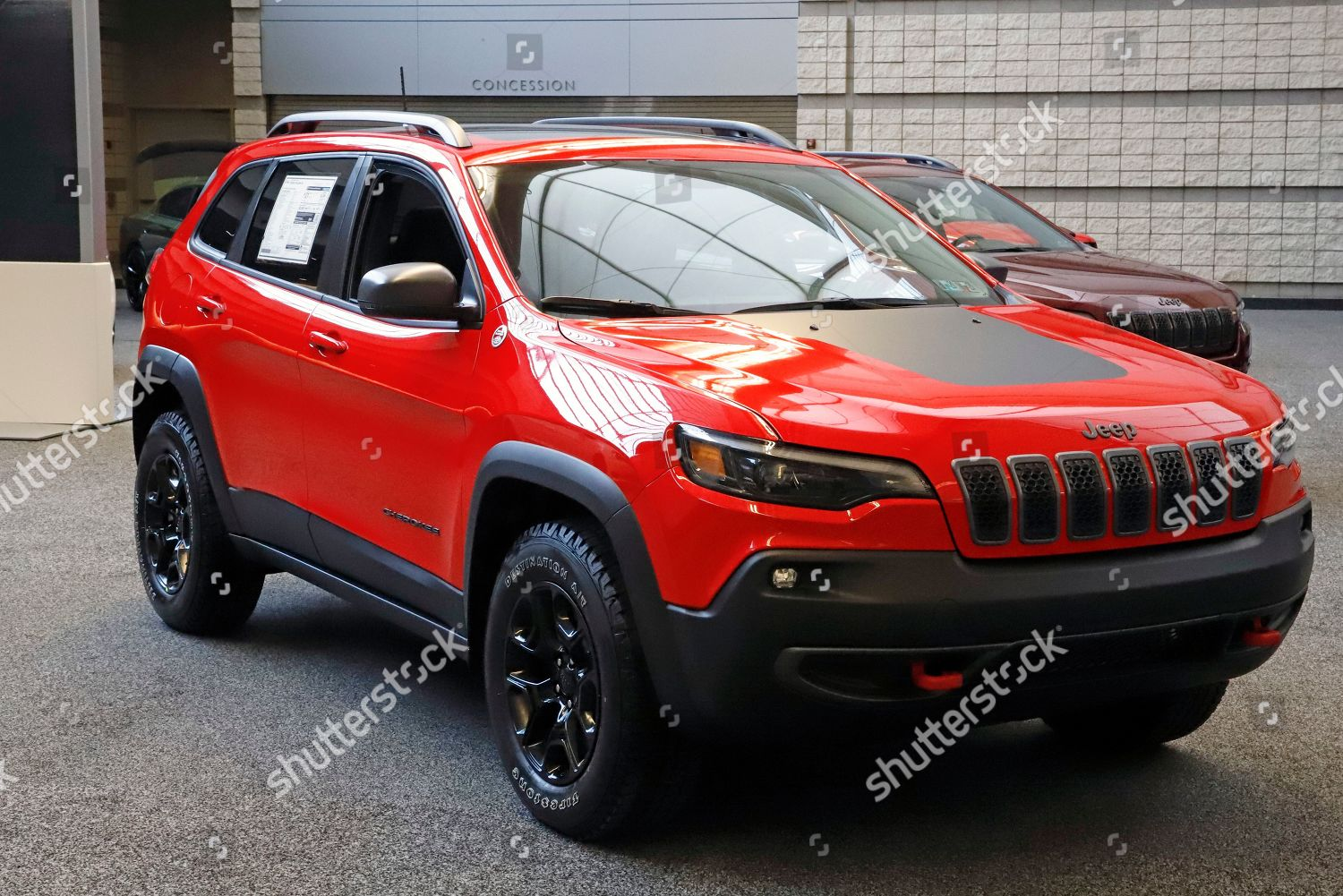 This 2019 Cherokee Trailhawk 4x4 On Display Foto Editorial Imagem De Banco Shutterstock