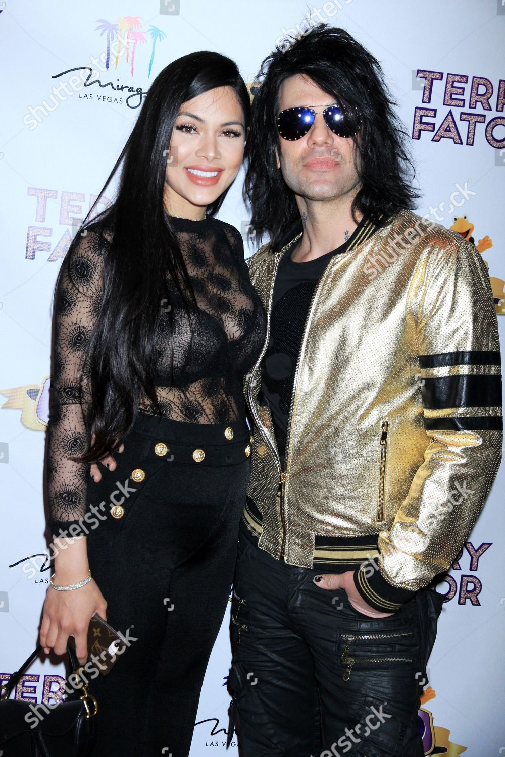Criss Angel Shaunyl Benson Foto Editorial En Stock Imagen En Stock Shutterstock Strip headliner criss angel and shaunyl benson are expecting their second child in january. https www shutterstock com es editorial image editorial terry fator 10th anniversary americas got talent win celebration las vegas usa 15 mar 2019 10157817ab