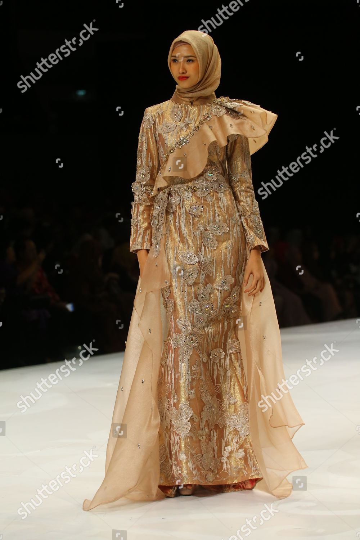 Riris Ghofir theme BELLEZA Hijab fashion appearance Editorial