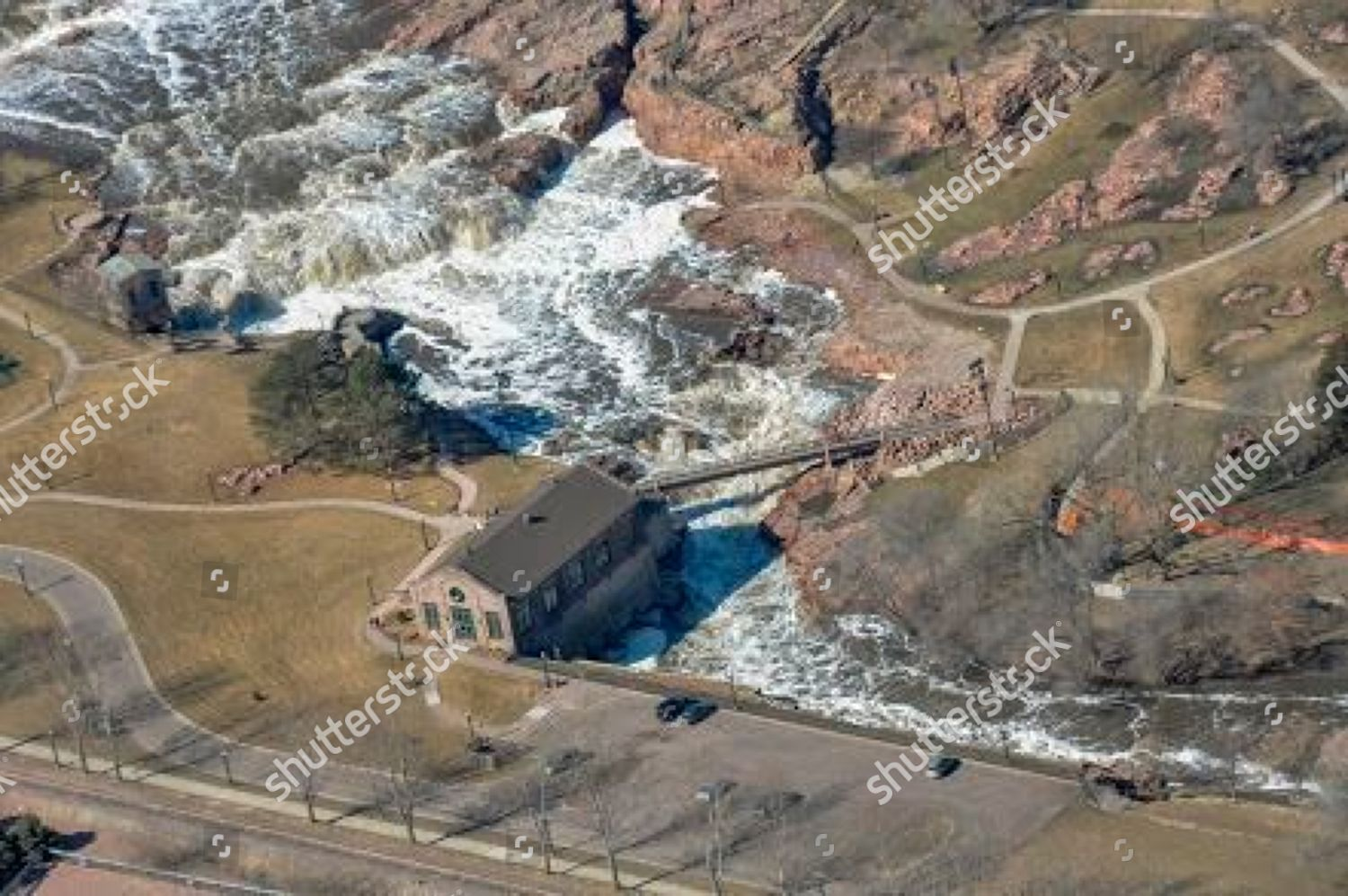 James River overflows banks on Sioux Falls Editorial Stock