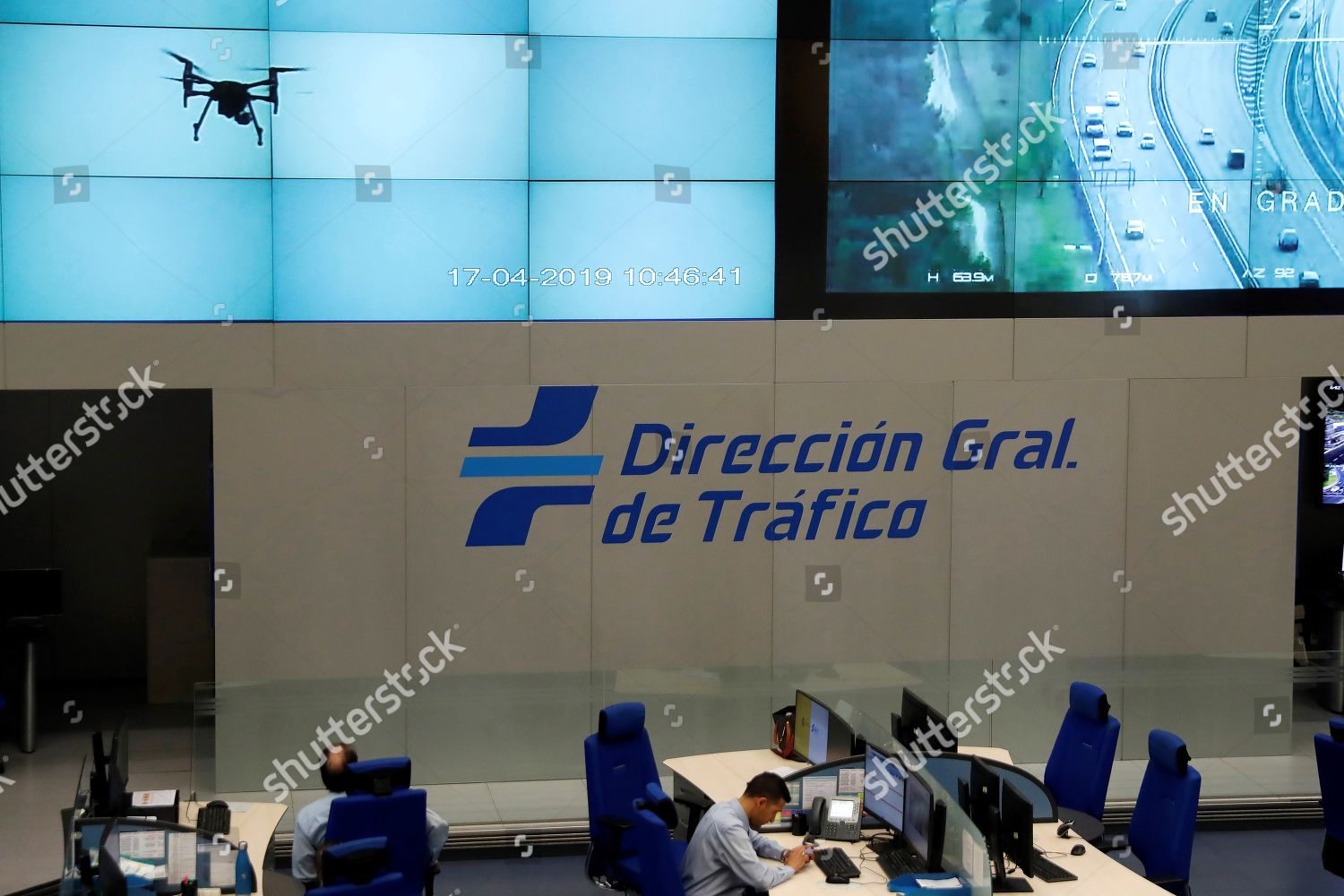 Spanish General Traffic Direction DGT workers operates Foto