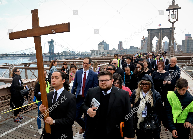 Joshua Layugan Left Carries Cross He Leads Editorial Stock Photo Stock Image Shutterstock