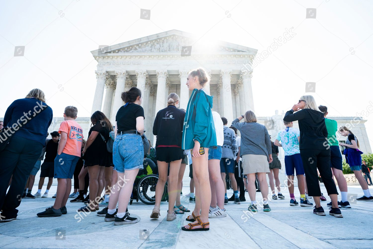 Tourists gather outside US Supreme Court justices Editorial