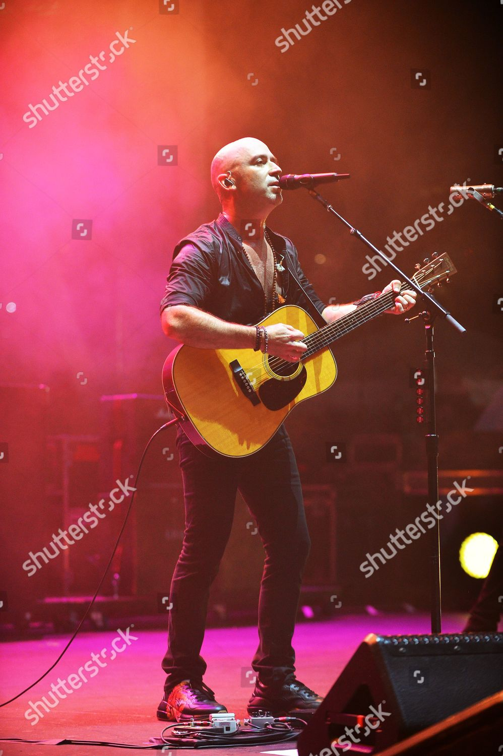 Live Ed Kowalczyk performs during Altimate Tour Editorial