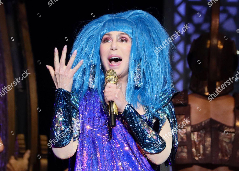 Fotos De Cher cher performs during concert mercedes benz arena foto