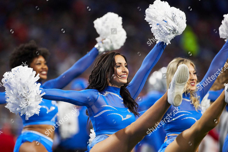 Detroit Lions Cheerleaders During Nfl Football Game