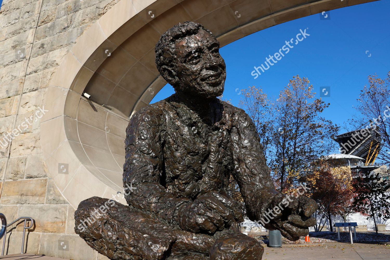 Shows Statue Fred Rogers Perched Confluence Allegheny Editorial Stock Photo Stock Image Shutterstock