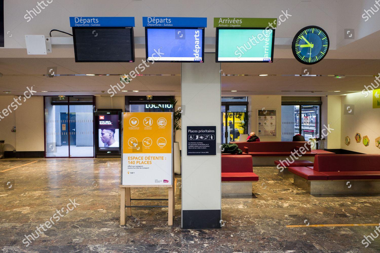 Design D Espace Toulouse train station toulouse matabiau empty because strike
