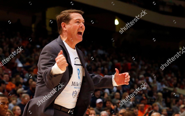 Saint Louis Head Coach Travis Ford Reacts Editorial Stock