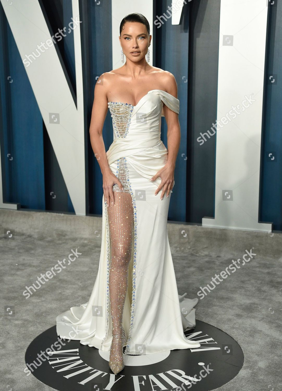 Adriana Lima Arrives Vanity Fair Oscar Party Foto Editorial Imagem De Banco Shutterstock