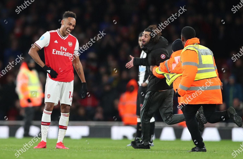 Pierreemerick Aubameyang Arsenal Amused Pitch Invader Gives Editorial Stock Photo Stock Image Shutterstock