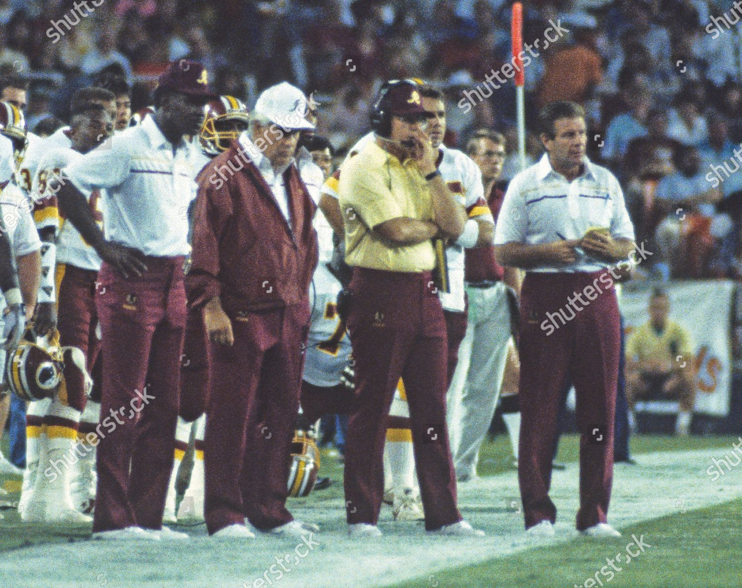 1989 Dolphins v. Redskins Pre-Season Game, Washington, District of Columbia, USA - 05 Aug 1989: стоковое фото