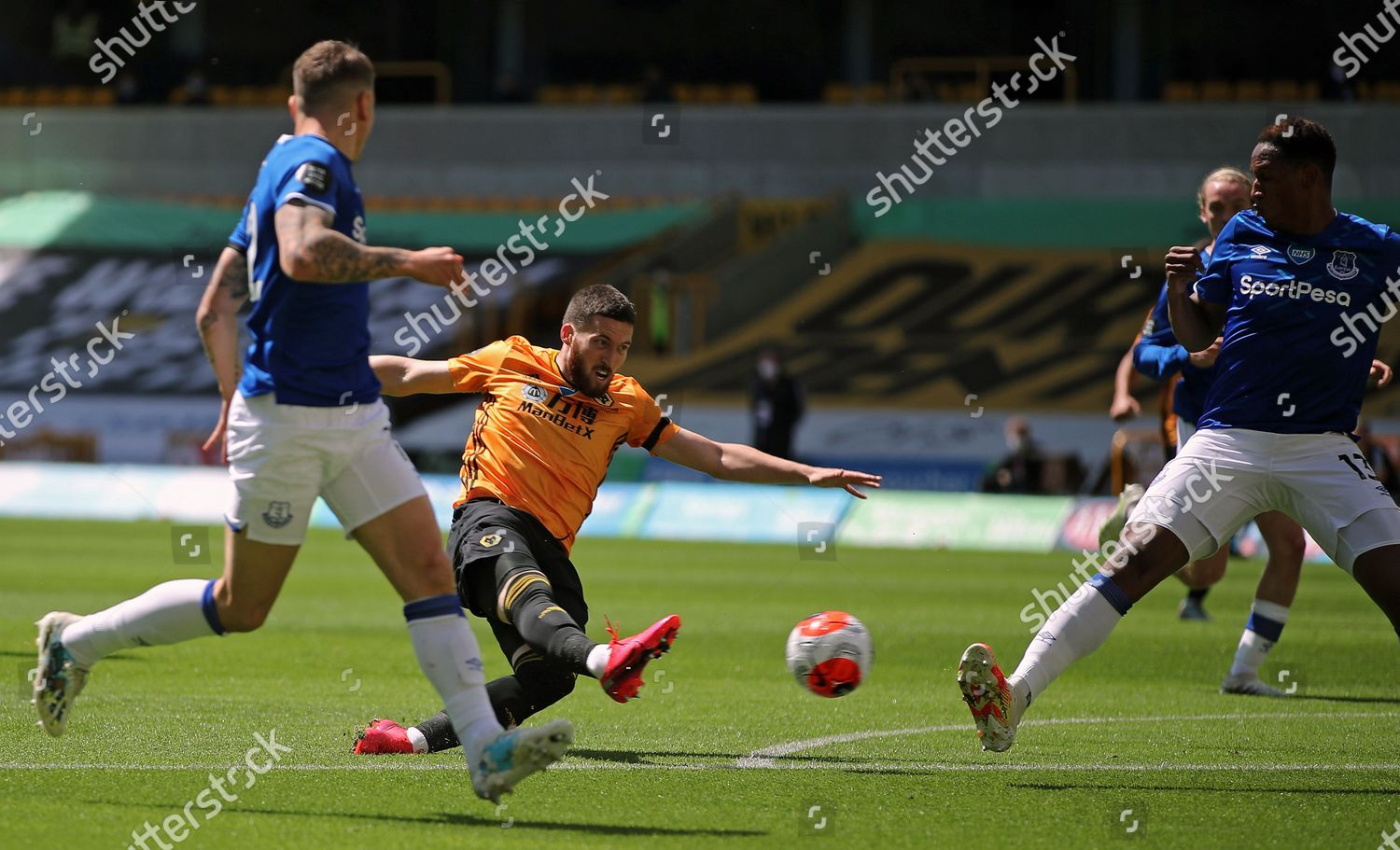Photo libre de droits de Wolverhampton Wanderers vs Everton, United Kingdom - 12 Jul 2020