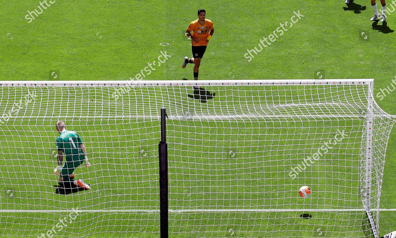 Photo libre de droits de Wolverhampton Wanderers vs Everton FC, United Kingdom - 12 Jul 2020