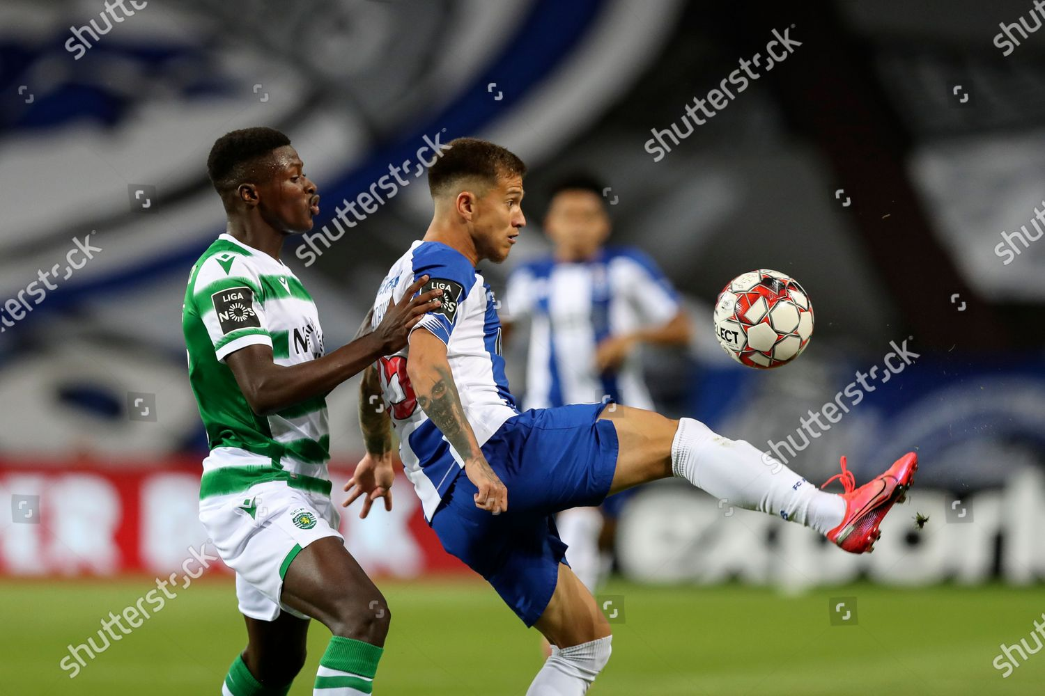 Fc Portos Otavio R Action Against Sportings Editorial Stock Photo Stock Image Shutterstock