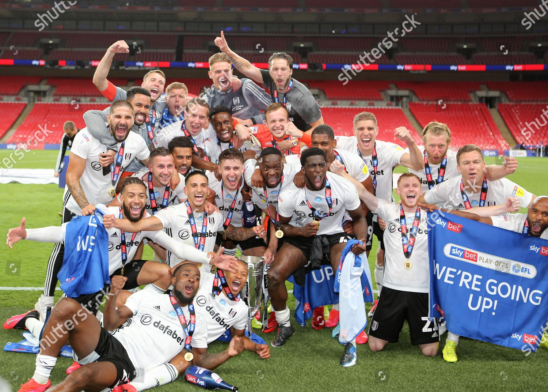 Fulham celebrate winning Championship PlayOff Final during ...