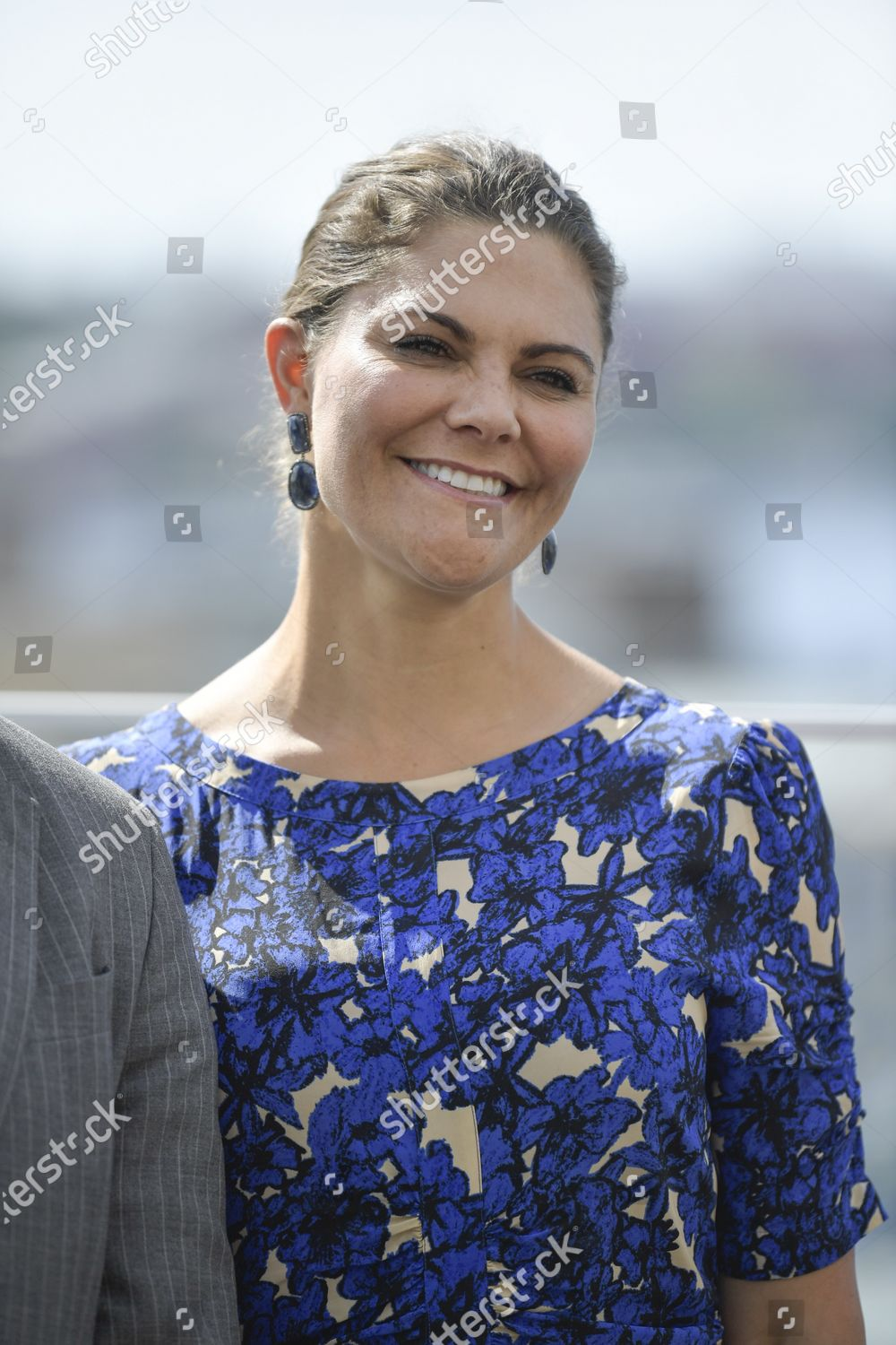 prince-daniel-and-crown-princess-victoria-at-visita-stockholm-sweden-shutterstock-editorial-10750019f.jpg