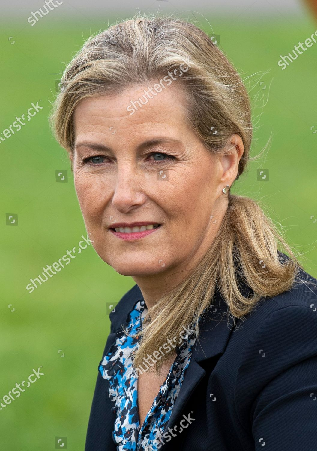 sophie-countess-of-wessex-visit-to-thames-valley-air-ambulance-white-waltham-airfield-maidenhead-uk-shutterstock-editorial-10764511i.jpg