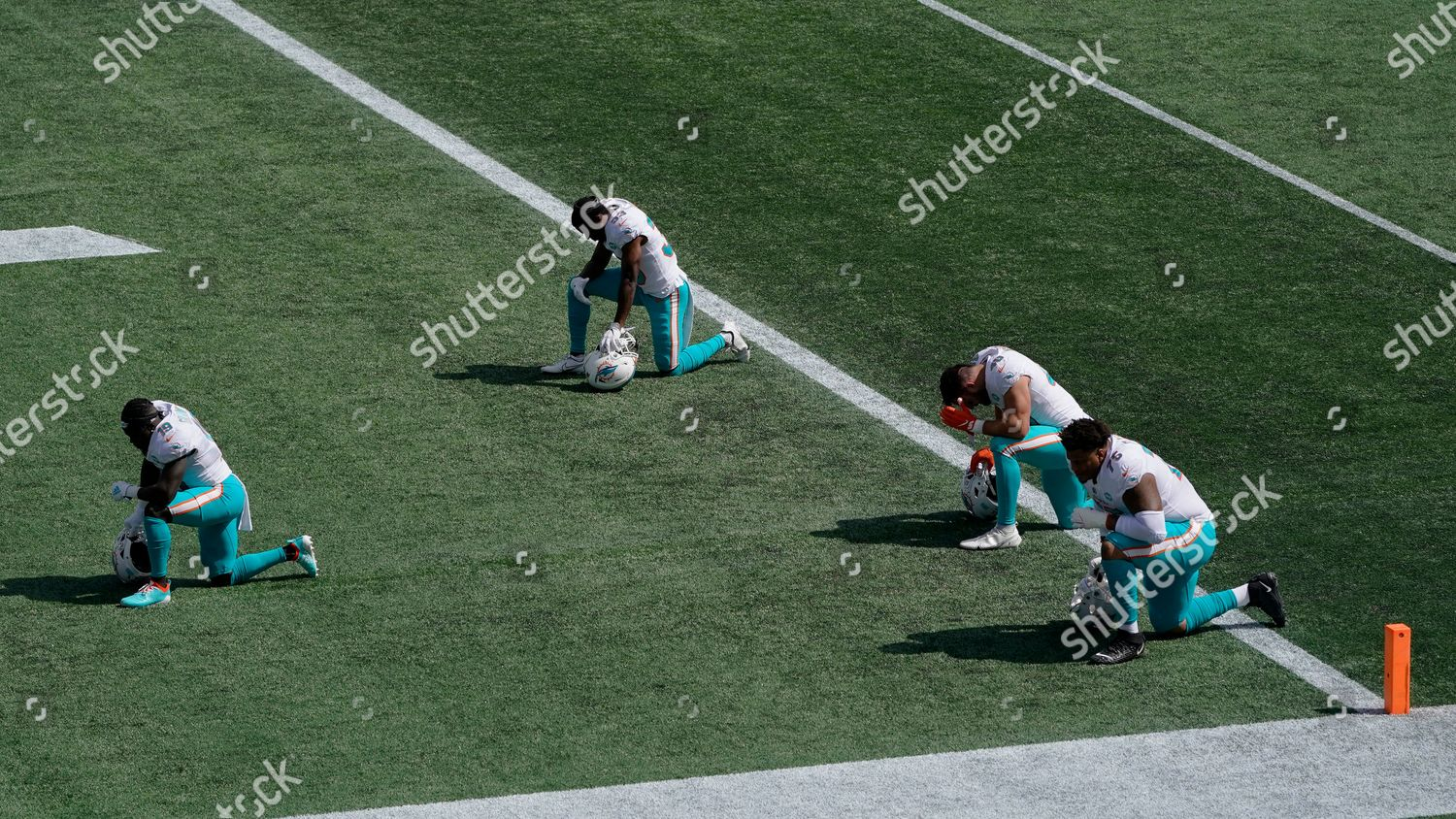 Miami Dolphins Players Kneel Before Nfl Football Editorial Stock Photo Stock Image Shutterstock