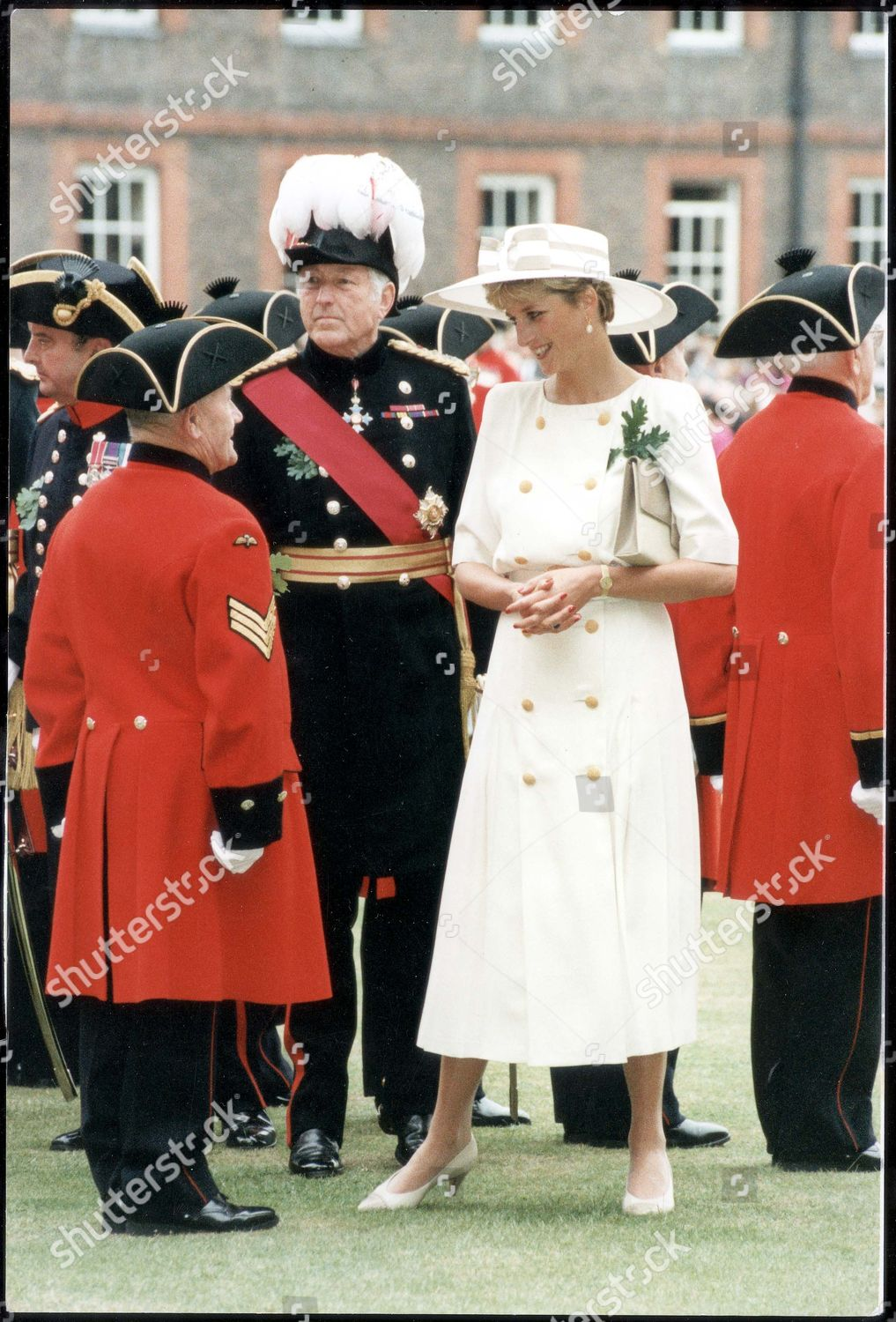 Diana Princess Of Wales (dead 8 1997) (alone) June1992. Princess Of Wales  With Pensioners On Founders Day Parade. Stock Image by Mike Forster for  editorial ... aa1eaa7a8