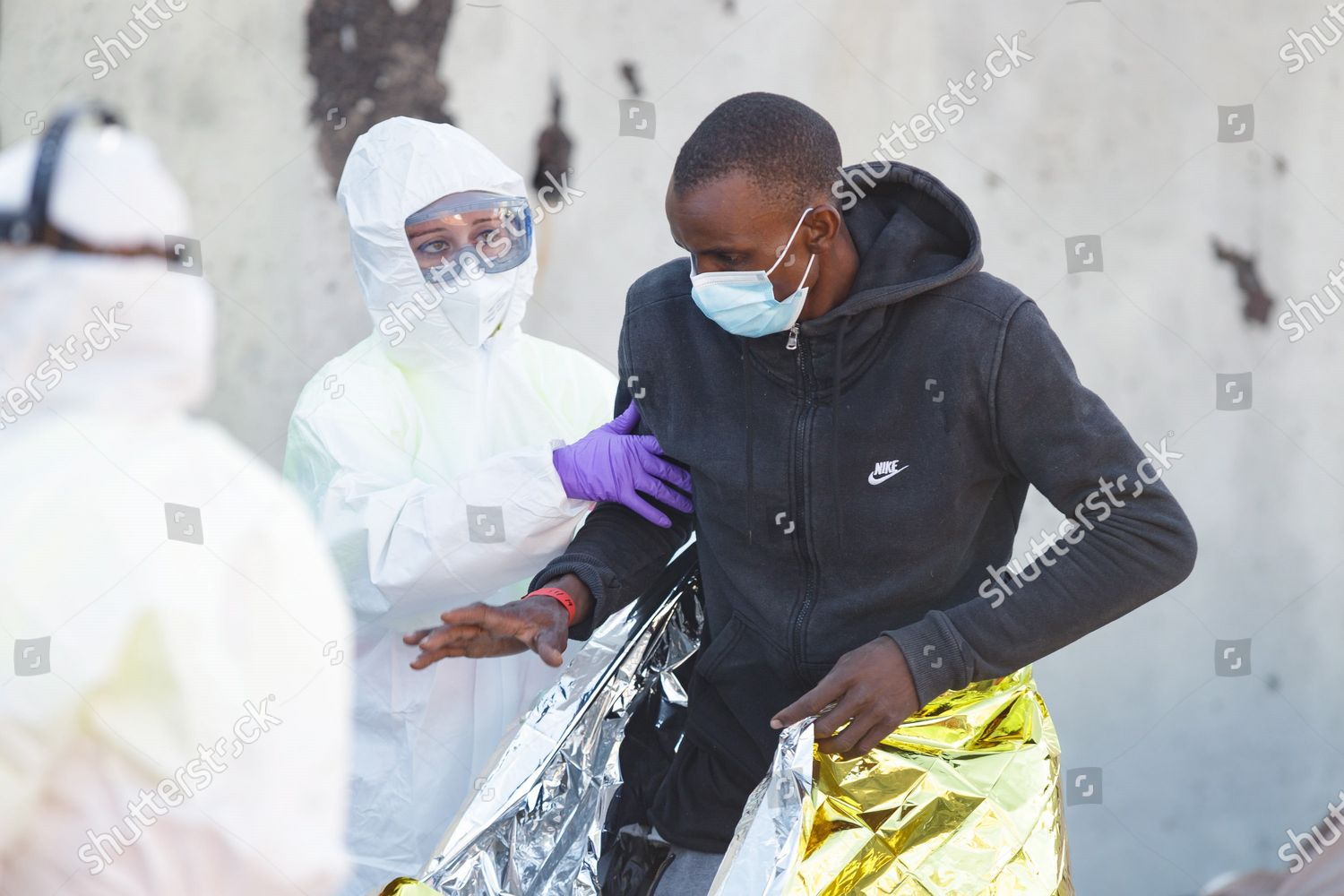 prosa Bienes globo  Health workers assist migrant who rescued sea Editorial Stock Photo - Stock  Image   Shutterstock