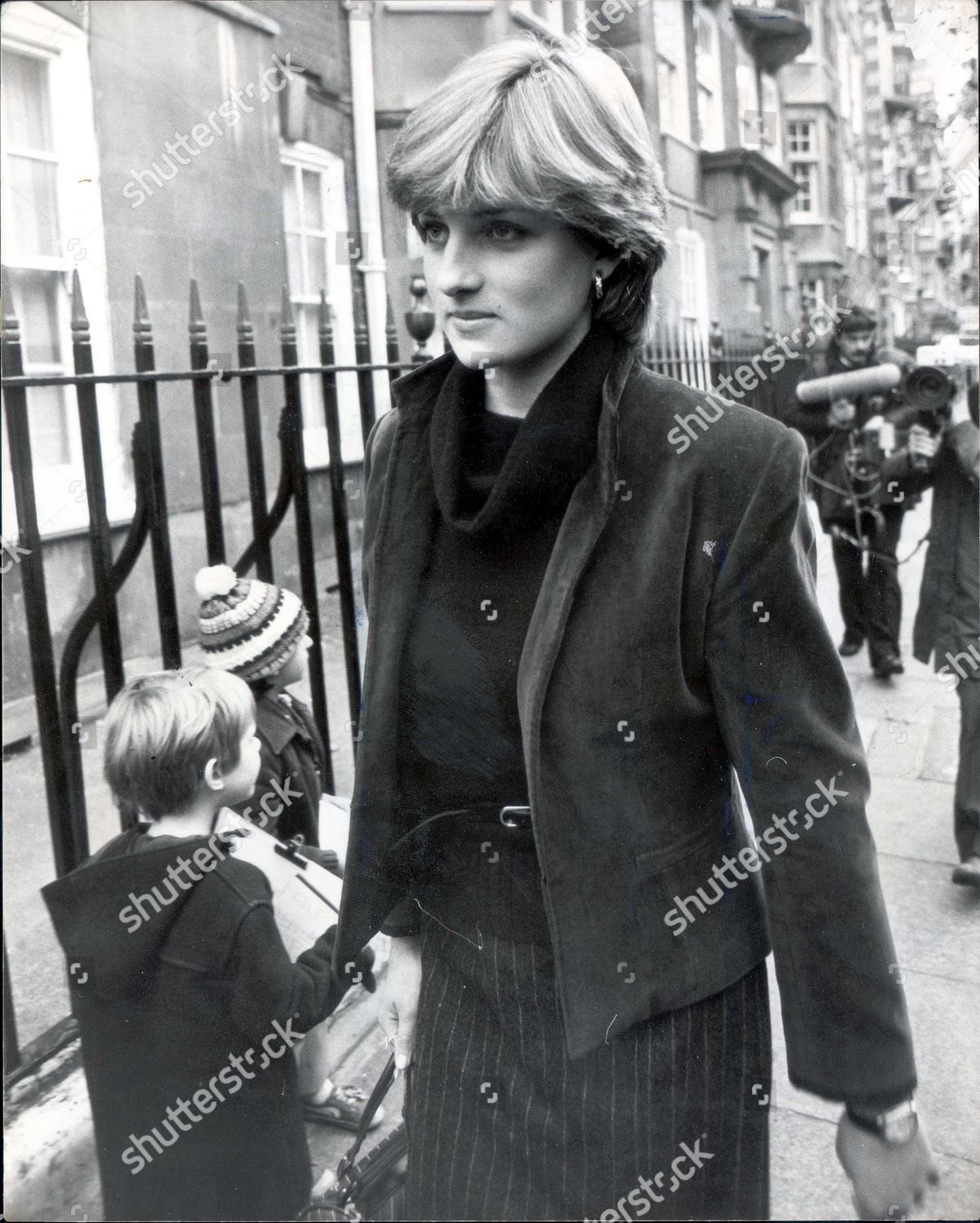 lady diana spencer editorial stock photo stock image shutterstock https www shutterstock com editorial image editorial princess of wales before marriage 1980 only lady diana spencer leaves her old brompton flat this afternoon for an unknown destination pursued by press photographers amid rumours that prince charles will announce his engagement to lady diana spenc 1145678a