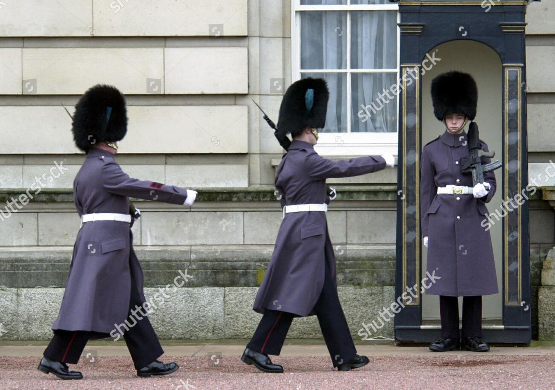 Londons Most Boring Job Guard Duty Buckingham Editorial Stock