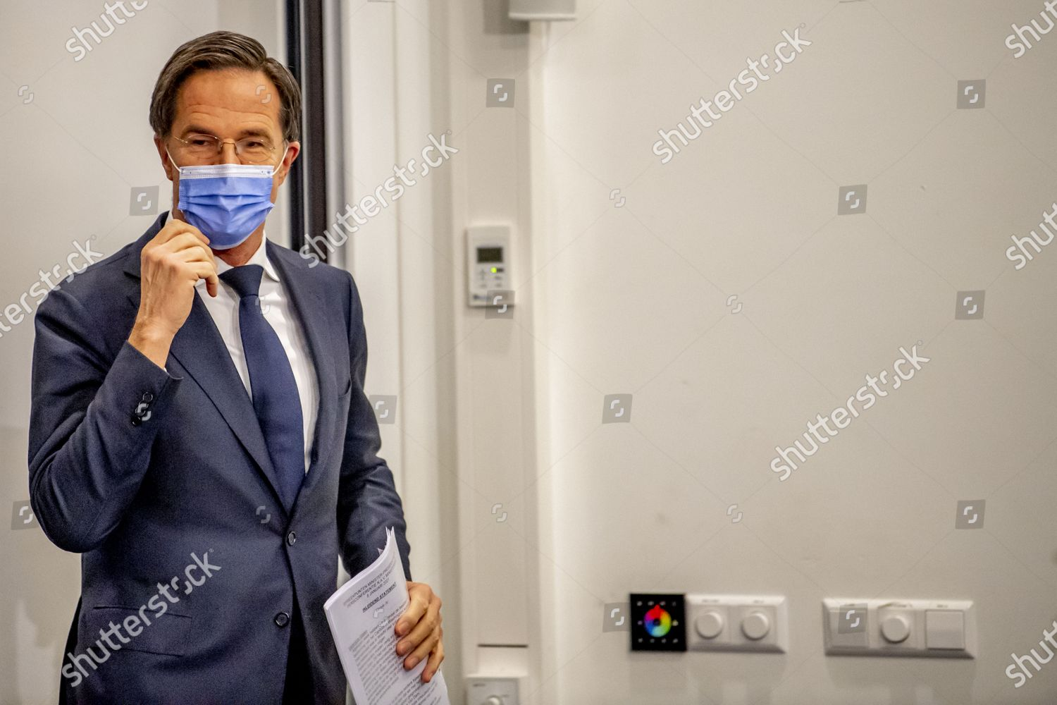 https www shutterstock com editorial image editorial prime minister mark rutte press conference the hague the netherlands 08 jan 2021 11700294i