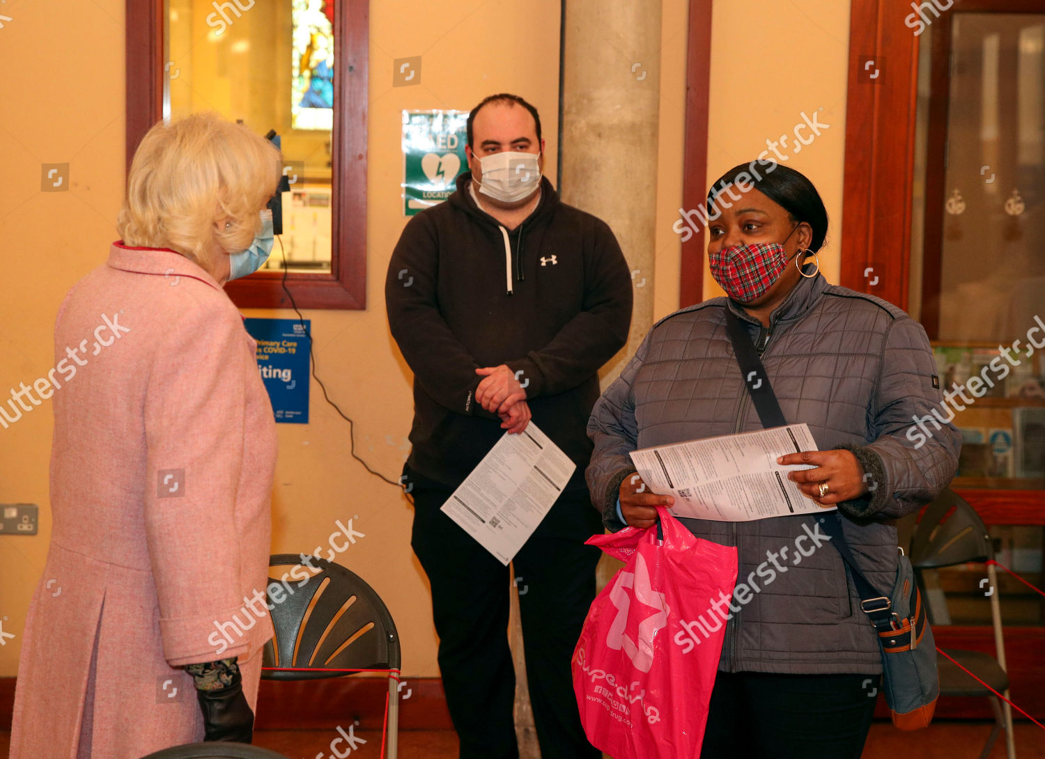 CASA REAL BRITÁNICA - Página 39 Duchess-of-cornwall-visits-vaccination-centre-st-pauls-church-croydon-uk-shutterstock-editorial-11784089d