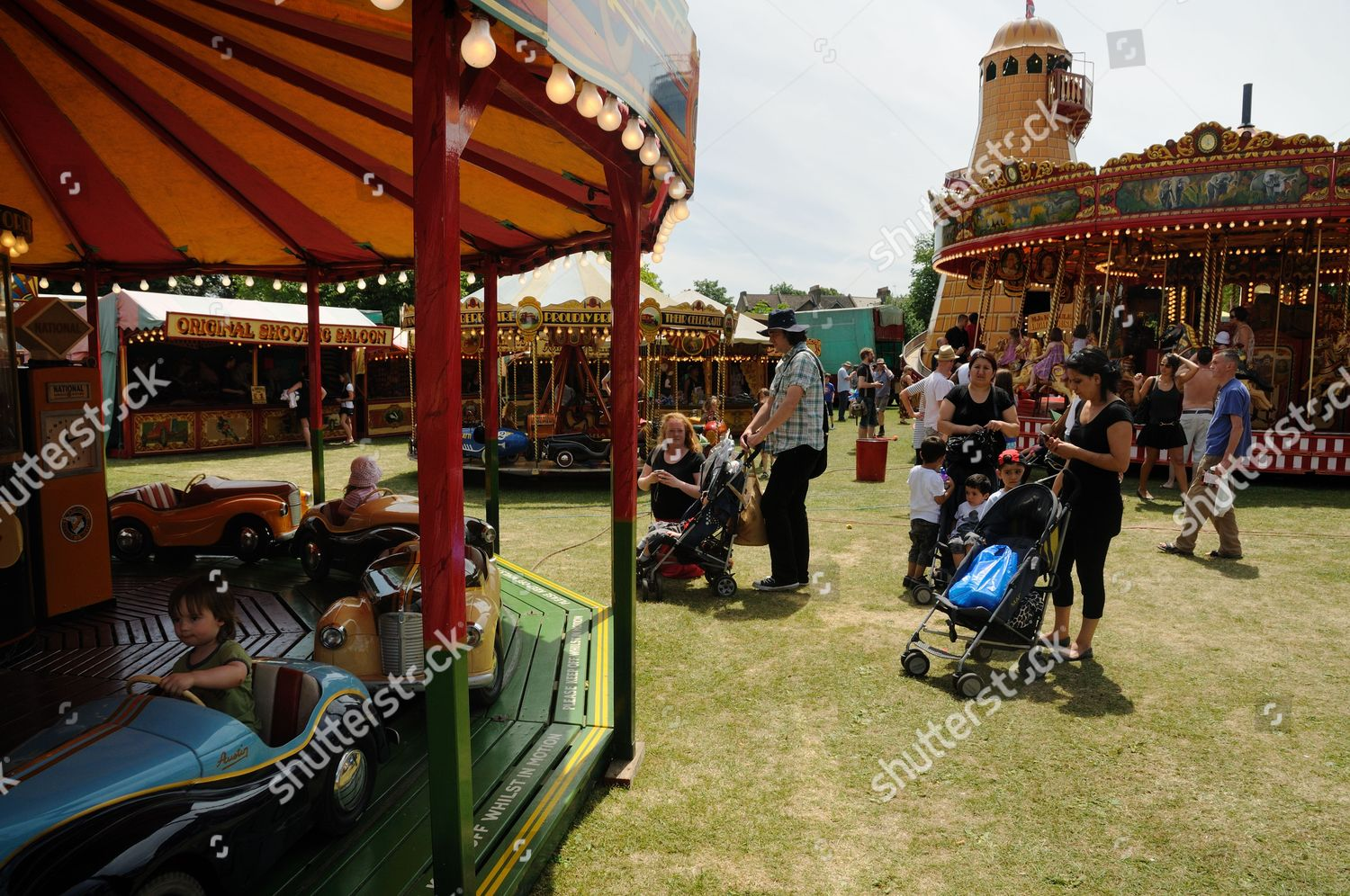 People Watch Rides Carters Steam Fair London Editorial Stock Photo