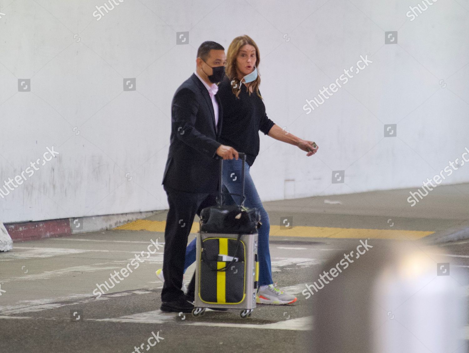 Exclusive Caitlyn Jenner seen arriving LAX early ภาพสต็อก ...