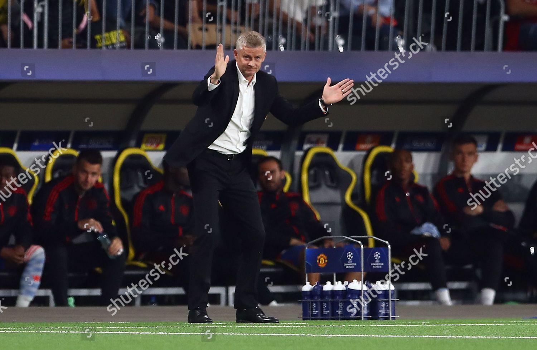 Manchester United manager Ole Gunnar Solskjaer gestures ...
