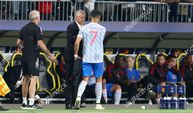 Manchester United manager Ole Gunnar Solskjaer substitutes ...