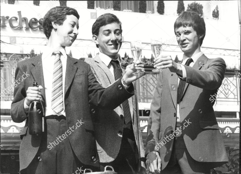 Celebrating High Iqs Dorchester lr Simon Ayrton Editorial Stock