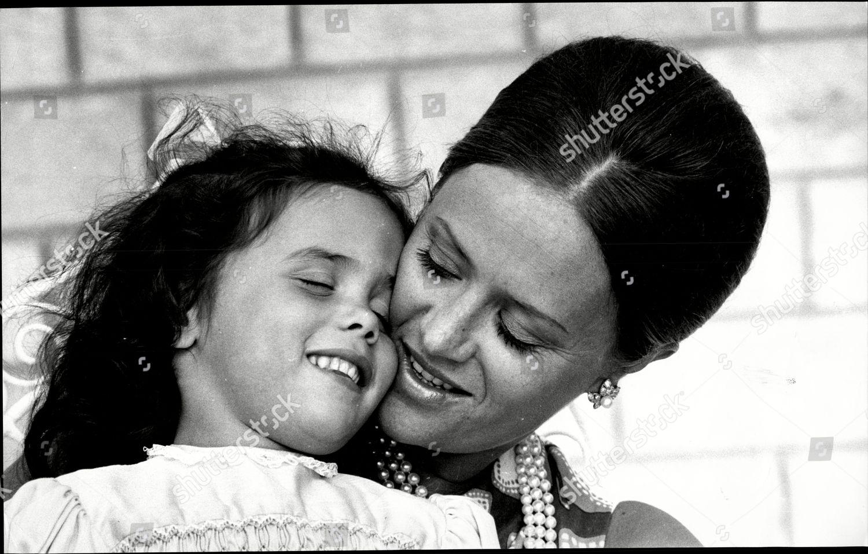 Ypperlig Princess Muna Jordan toni Gardiner Her Daughter Editorial Stock PM-97