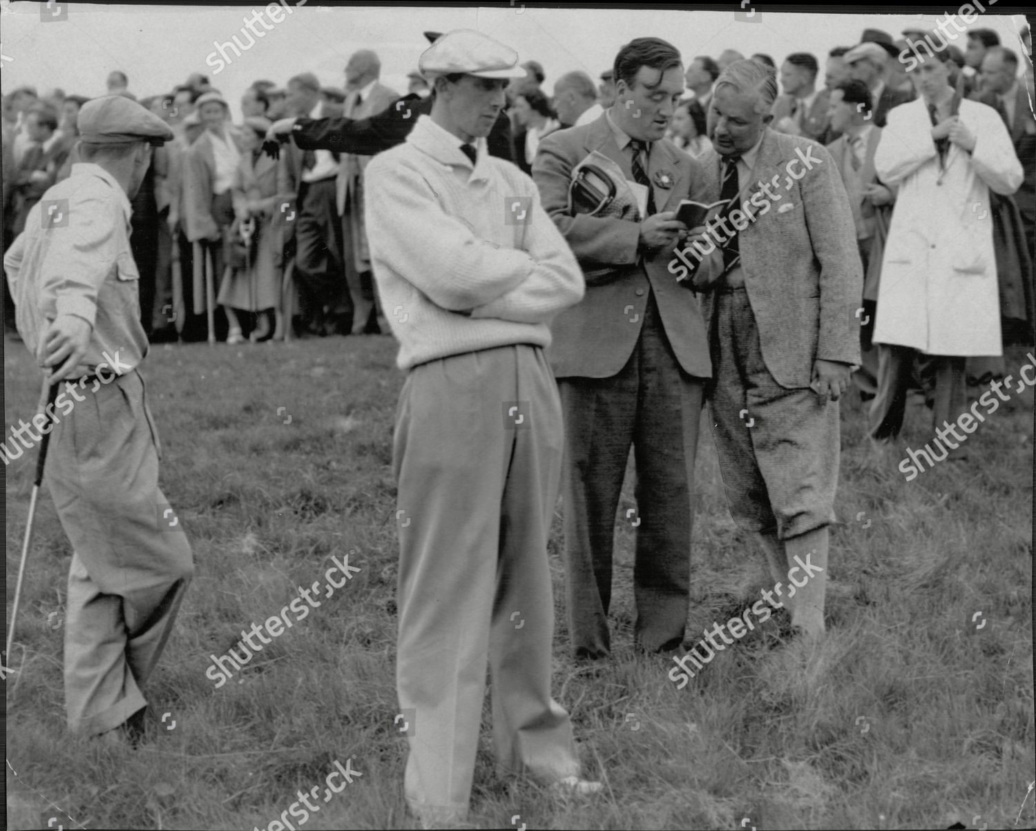The British Amateur Golf Championship Officials Confer About The Ball  Champion Joe Carr Gas Hit Six