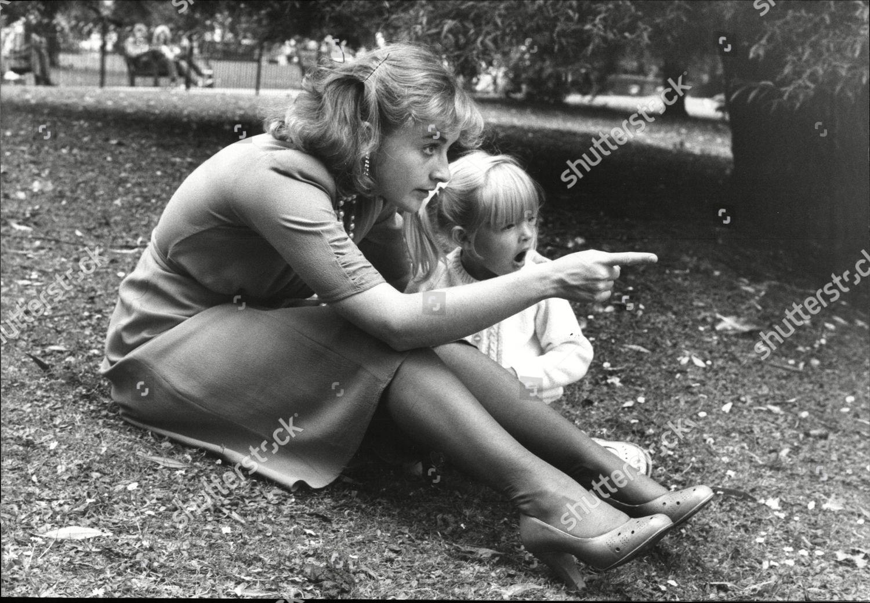 Natalie Ogle Nude Photos 76