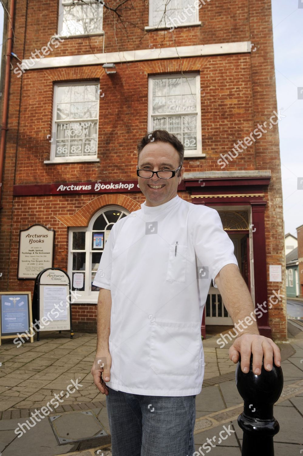 Dr Stephen Hopwood outside Arcturus Clinic Editorial Stock