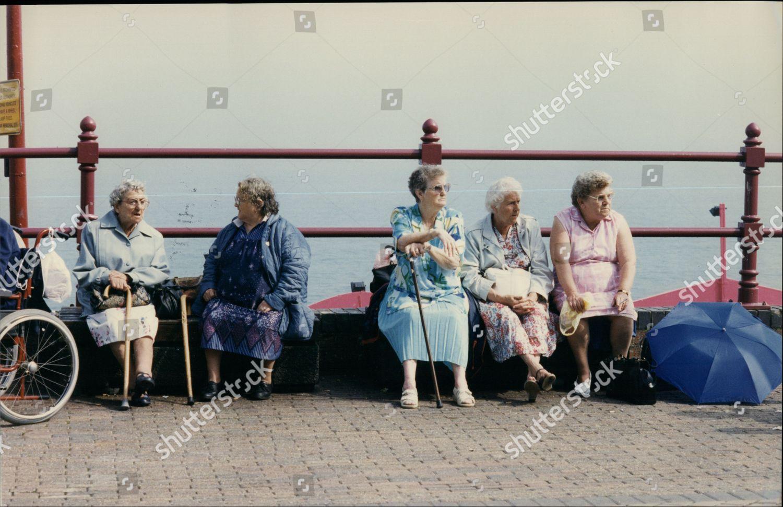 Seaside Holidays 1997 Old Age Pensioner Holidaymakers