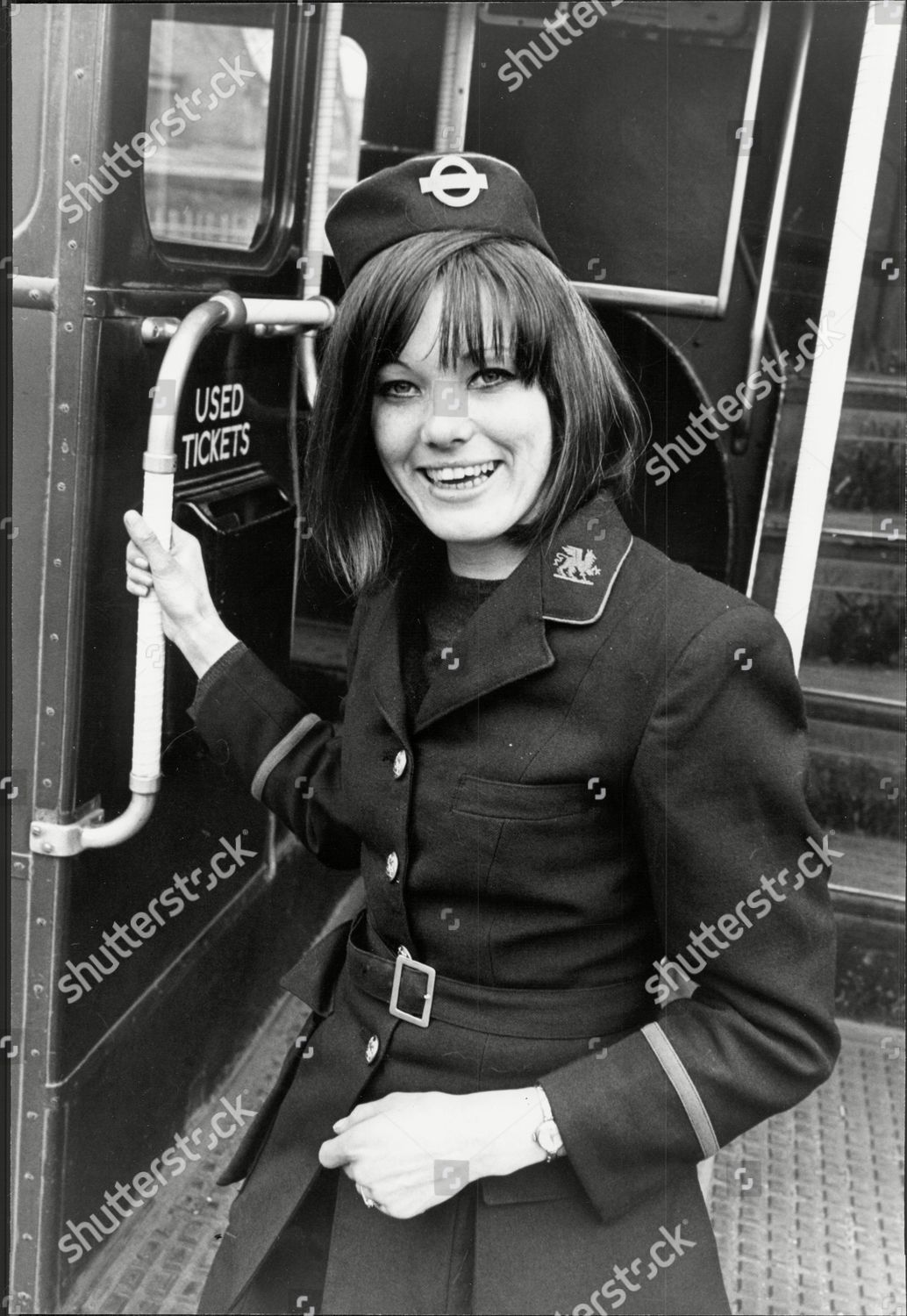 bus conductress